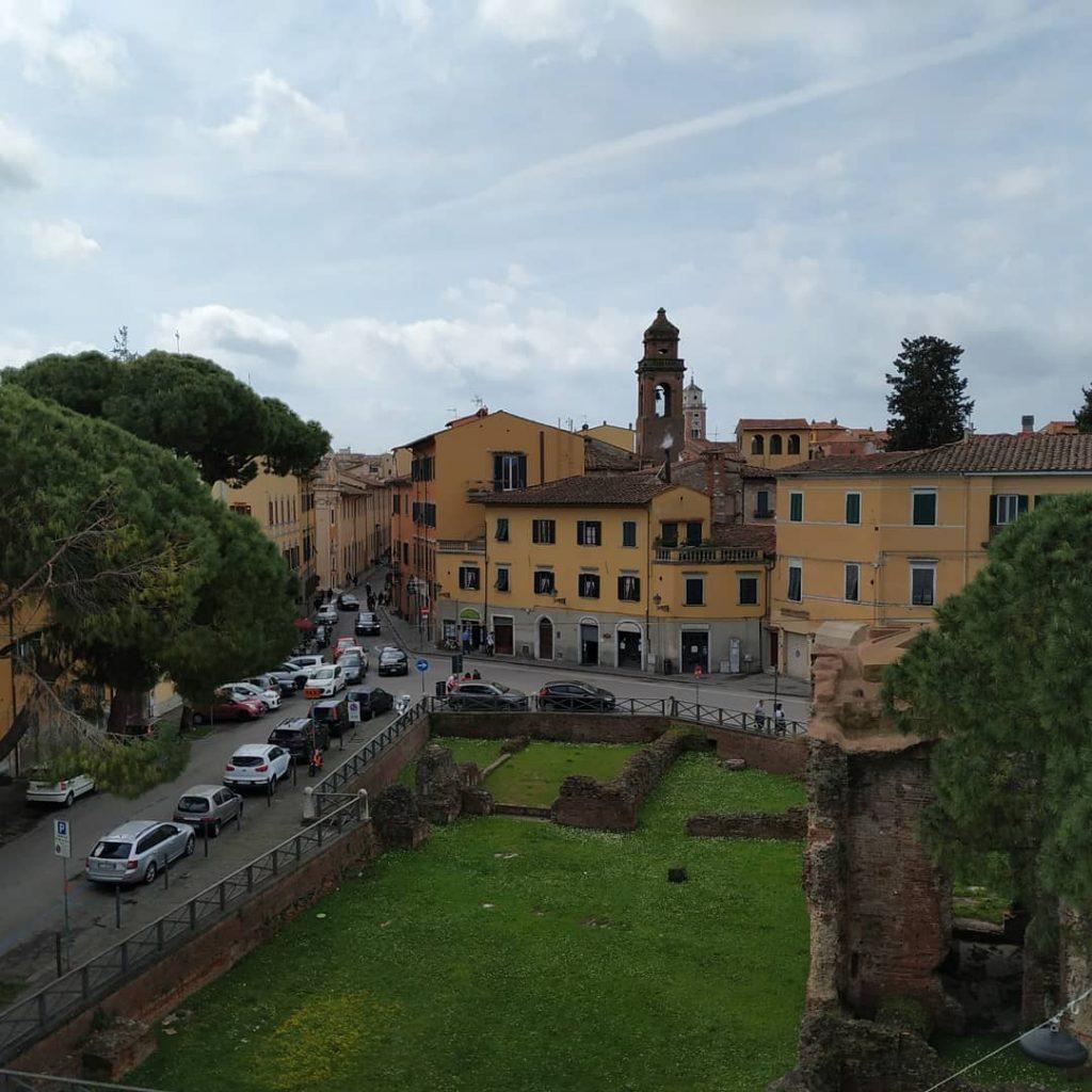 passeggiata sulle Mura di Pisa